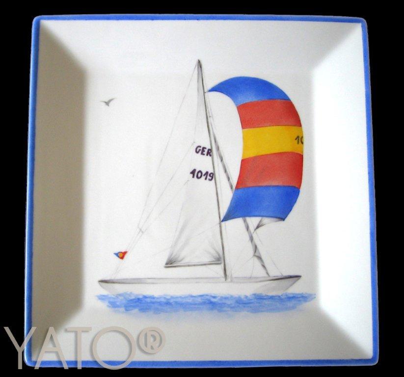 White – Yacht club